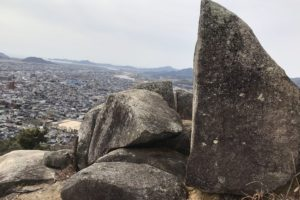 天神山の磐座古代リトリート